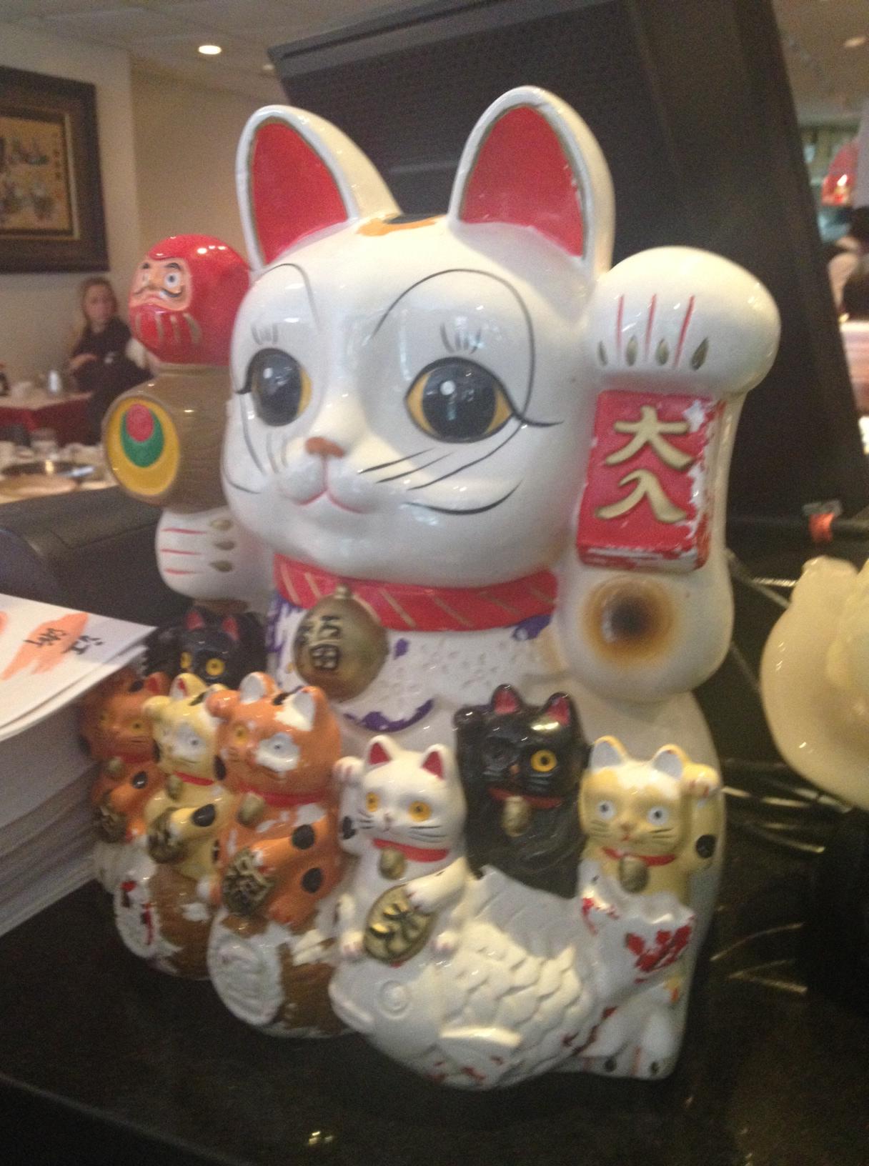 פסל מהודר של חתול